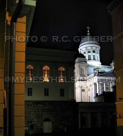 Helsinki Cathedral in Night Light. Photo & pop-up photo © R.C. Candolin-Gelber 1999 -