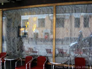 Moskova Bar, on Eerikinkatu in Helsinki.  - -  Photo copyright ©  MyBestHelsinki.com & Annu Lilja. All Rights Reserved.